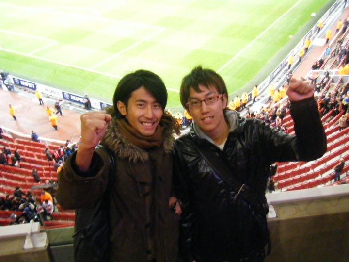 初めてのプレミア観戦、本マガジン編集長トモさんと共に。エミレーツスタジアムにて